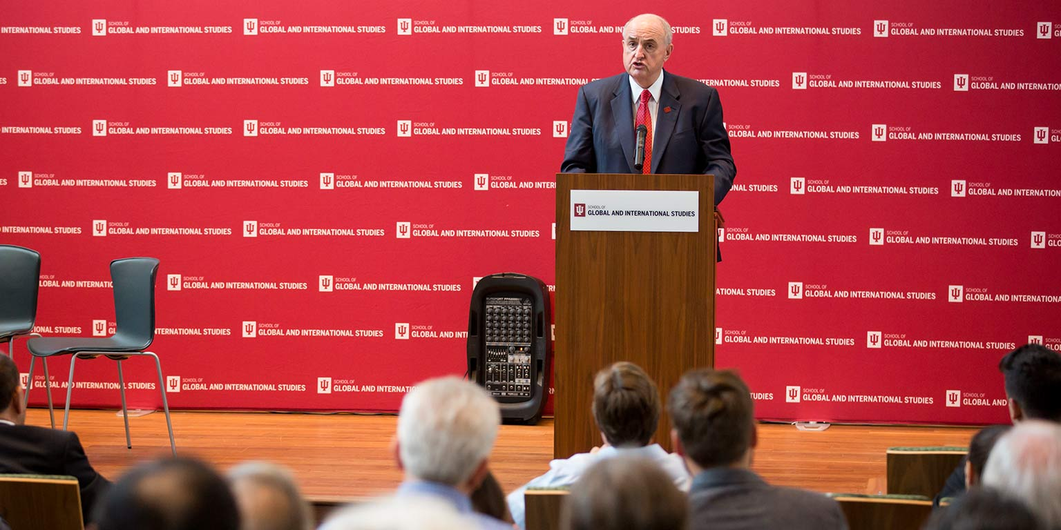 President McRobbie speaking at the School of Global and International Studies